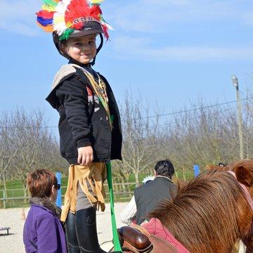 Découverte du poney à La Cavalcade