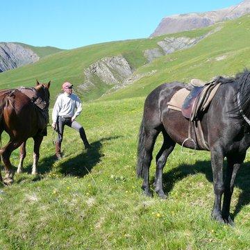 Balade à cheval avec la Meije en toile de fond